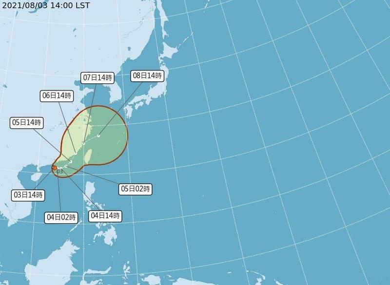 熱帶低壓可能於明天清晨或上午形成輕度颱風並逐漸靠近台灣。(中央氣象局提供)