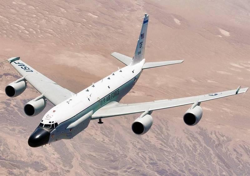 军情动态》美军机「八一」长江口绕圈 小粉红气炸:这都能忍?