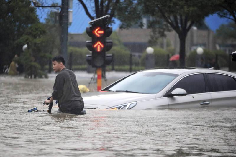 河南洪災造成302人死亡、50人失蹤,有中國網友嘆:「這可能也不是最終數字。」(美聯社)