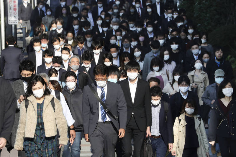 東奧如火如荼進行中,但東京的武漢肺炎疫情卻越來越嚴重。(美聯社)