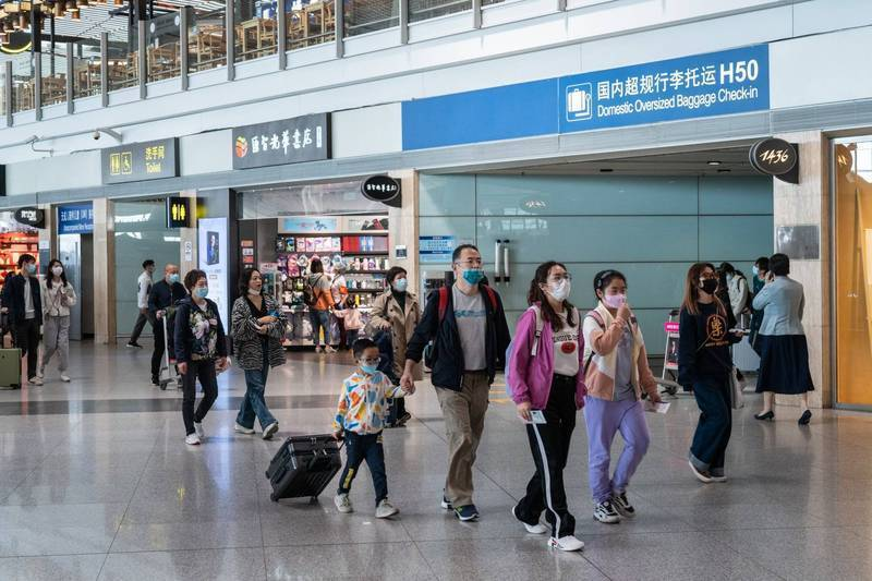 中國政府以防疫為由,停辦非緊急出入境簽證。北京機場示意圖。(彭博)