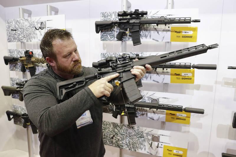 墨西哥有意向美槍枝製造商採購百萬美元突擊步槍。示意圖。(美聯社)