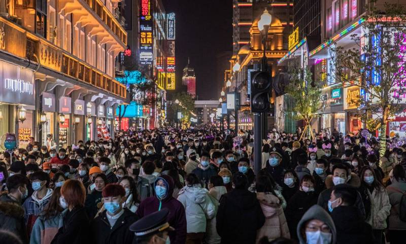 武漢官方坦言,自8月2日起當地出現首例本土病例後,至本月4日,武漢3萬1300間隔離房已經使用了2萬6100間。(歐新社)