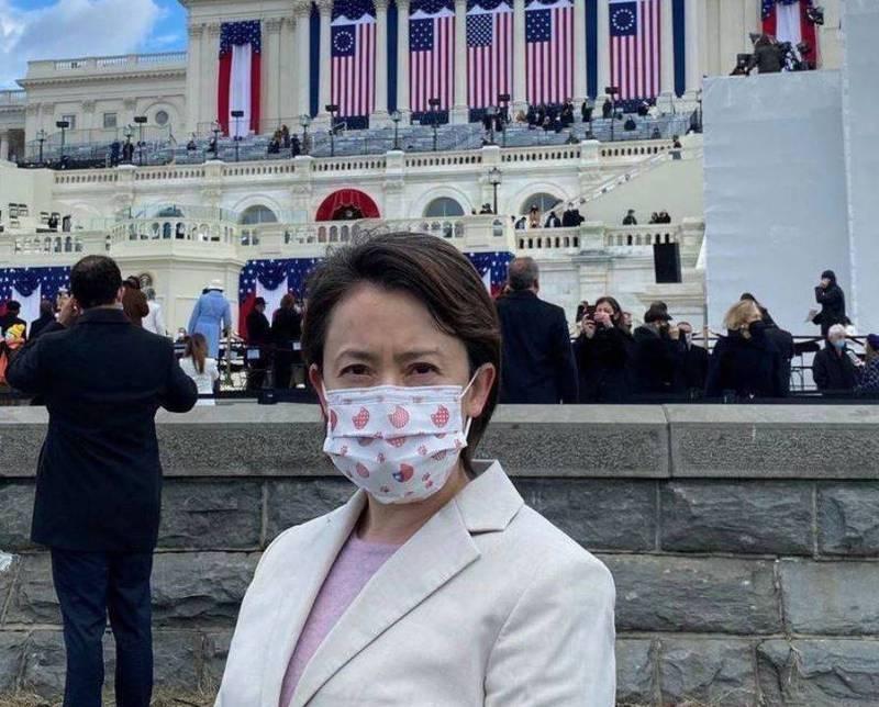 路透19日透露,民主黨有3名參議員聯合致函蕭美琴,促請她能代為轉達美方希望台灣協助減輕晶片短缺的壓力。(駐美代表處提供)