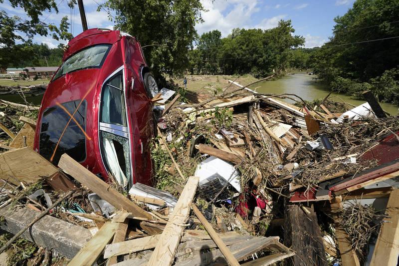 美國田納西州中部週六以來降下創紀錄的暴雨,部分地區不到24小時降下430毫米的雨量,在當地引發洪災,目前已知造成至少22人死亡、50人失蹤。(美聯社)