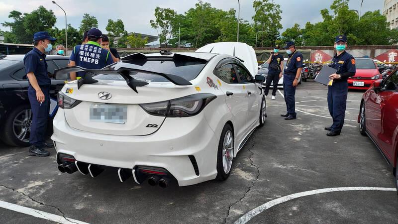 [新聞] 囂張!台南道路競速飆車 新營送辦14人