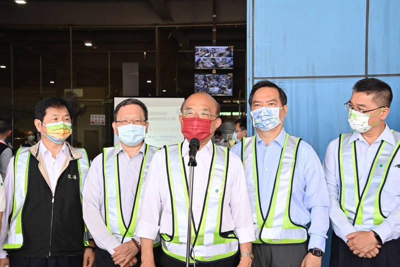 行政院長蘇貞昌表示,五倍券預約能夠提前就會盡量提前。(行政院提供)