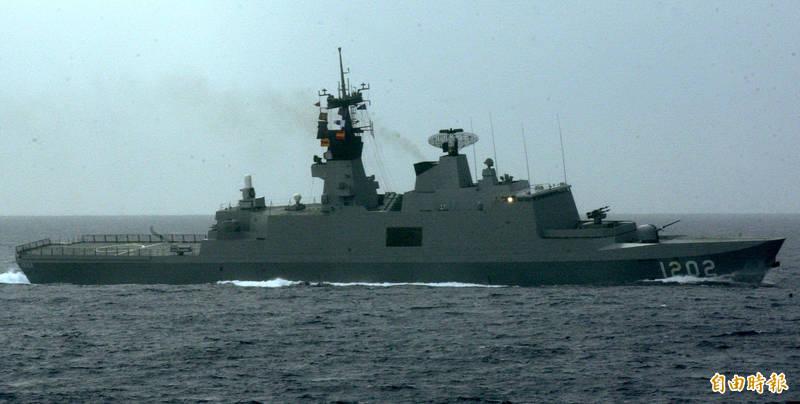 國防部今日將明年度預算書送至立法院,內容揭示,海軍明年將編列約431億元,用於康定艦戰鬥系統提升,將大幅提升其防空、反飛彈能力。(資料照)