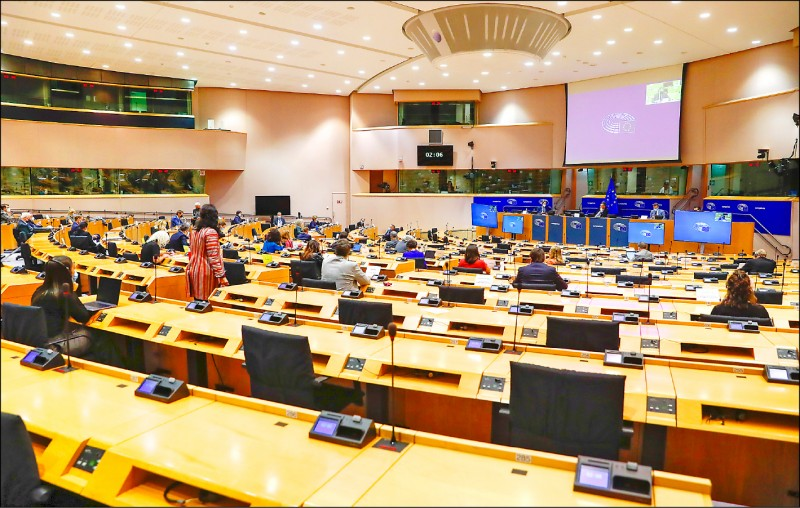 歐洲議會外委會壓倒性通過:歐盟駐台機構正名台灣