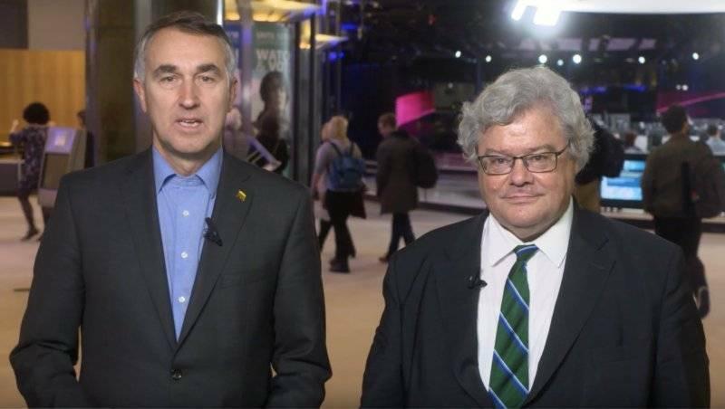 歐洲議會德國籍議員包瑞翰(右)與立陶宛籍議員奧什特列維丘斯(左)。 (取自包瑞翰推特)