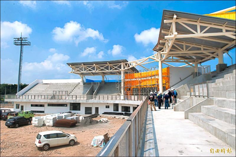 外埔國際慢壘運動園區預計明年中完工啟用。(記者張軒哲攝)