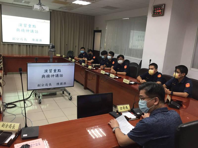 因應萬安44號演習,台中市第六分局辦理講習及實作演練。(記者許國楨翻攝)