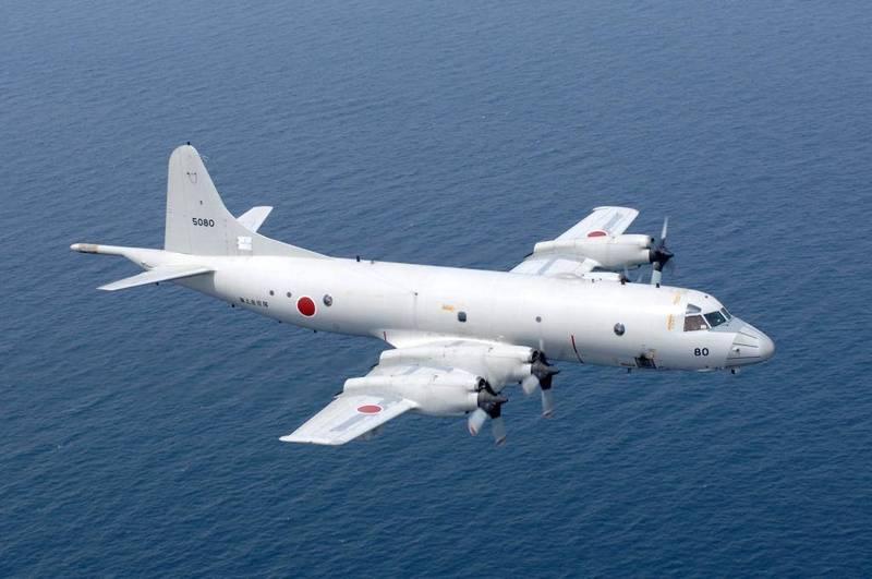 對於中國艦艇在東海的行動趨於活躍,日本提高警覺,日本海上自衛隊的反潛機、護衛艦已出動因應。圖為P-3C反潛機。(圖擷取自日本海上自衛隊官網)