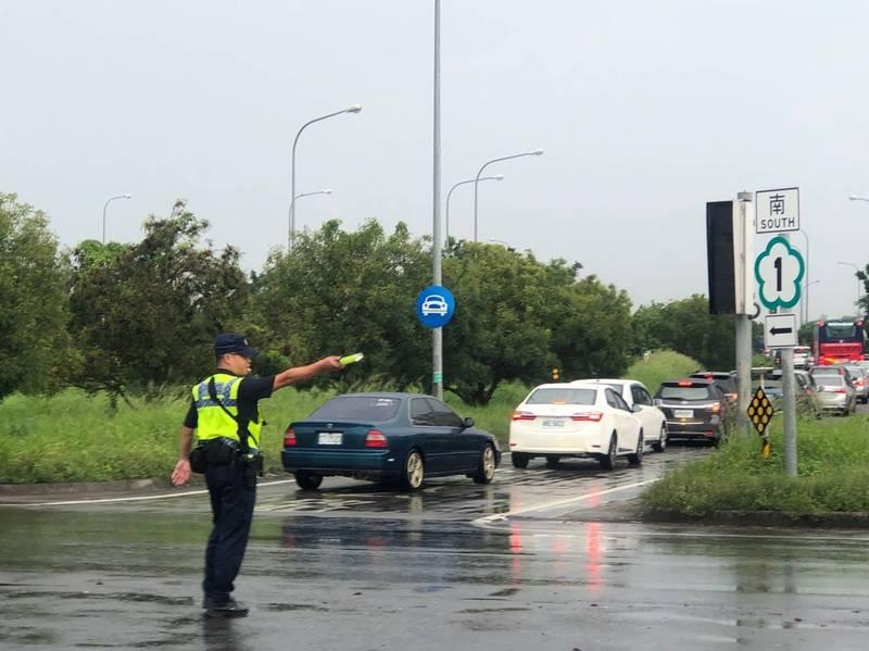 中秋連假期間警政署規劃動員警力維持交通順暢。(記者姚岳宏翻攝)