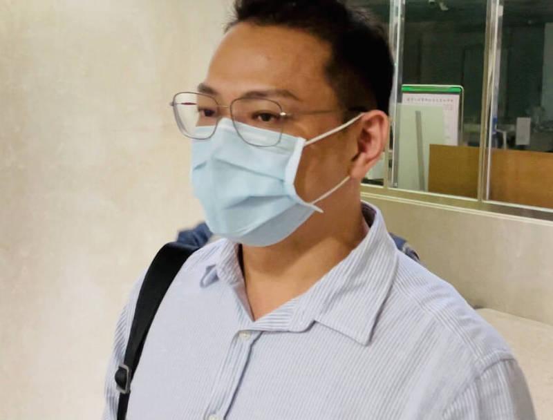聚彩創翊股份有限公司董事長尹沛騰,今晚被移送至北檢複訊。(照:讀者提供)
