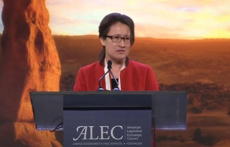 駐美大使蕭美琴日前受邀至「全美議會交流理事會」(ALEC)演講。(擷取自ALEC YouTube頻道)