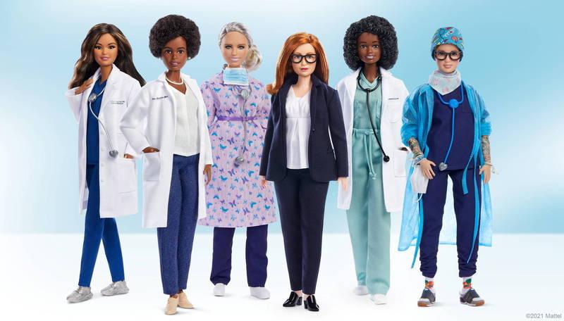 芭比娃娃公司推出「疫情下的芭比娃娃」系列,以表彰對抗疫情的女性科學家、醫護人員。(路透)