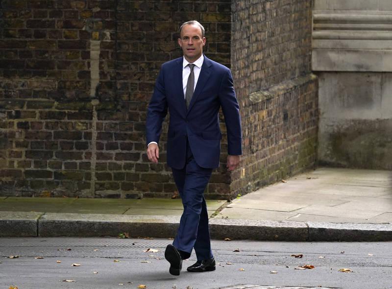 英國首相強森15日進行內閣人事改組,外交大臣拉布(見圖)將取代柏克蘭,改任司法大臣。(美聯社)