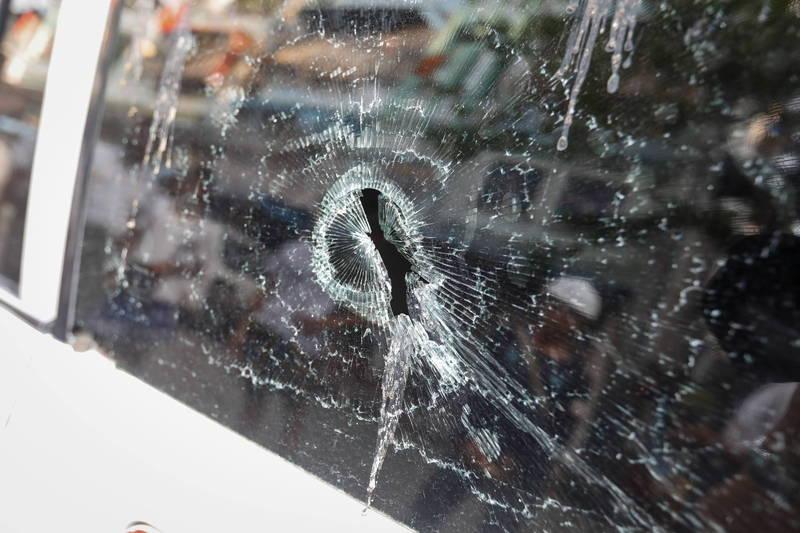 英國1名男子將愛車停在街道,後座玻璃卻被掃地工人在使用割草機時弄破。示意圖,與新聞無關。(歐新社檔案照)