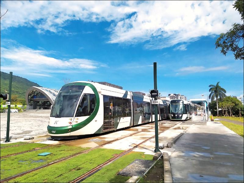 高雄輕軌C17站至C20站的系統整合測試完成,圖為C18站測試情形。(捷運局提供)