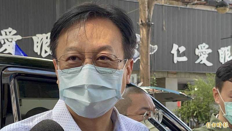 卓伯源嗆新竹縣市合併人還沒彰化多,若比彰化早升格一定率眾抗議。(記者蘇孟娟攝)