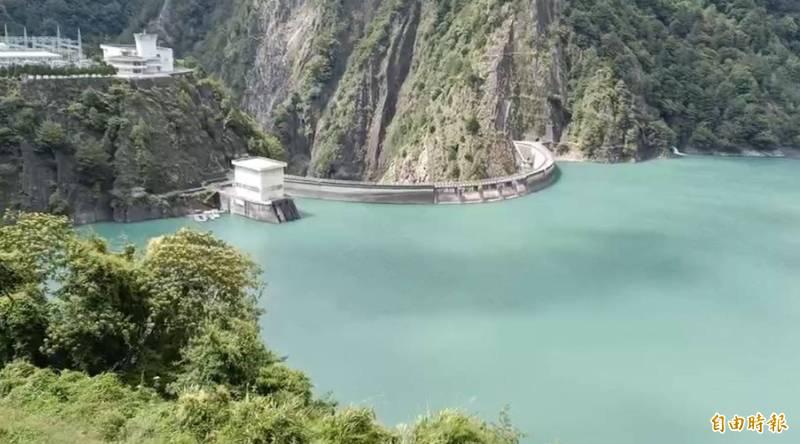 德基水庫「只進不出」,水位緩慢上升至1403.99公尺,蓄水率91.3%。(記者歐素美攝)