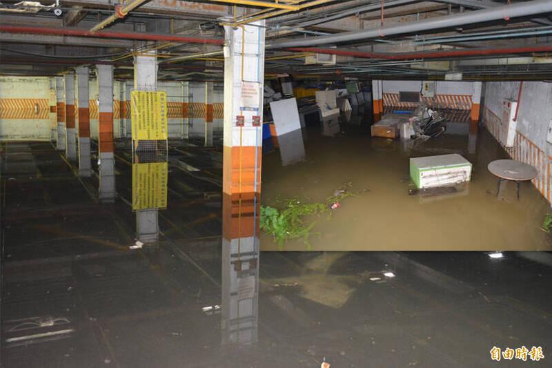 台中3C賣場自來水破管拖2天,地下停車場慘變游泳池。(本報合成)