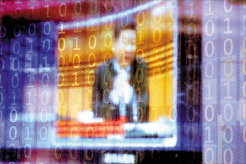 人權組織「自由之家」二十一日公布最新的網路自由報告,中國連續第七年在全球排名墊底,落於古巴、緬甸和伊朗之後,習近平政府被批評仍是世界最嚴重網路自由的侵犯者。圖為去年十一月在中國浙江省嘉興市桐鄉市烏鎮舉行的世界互聯網大會(WIC)會場。(路透檔案照)