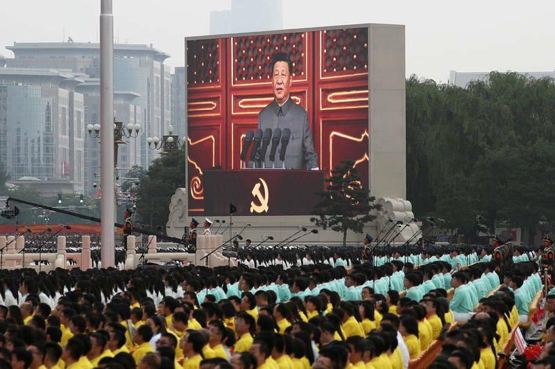 美媒《华尔街日报》报导,习近平正极力使中国回归毛泽东社会主义愿景,由中国共产党主导资金流动,将会对企业家、投资人和其获利能力设定更严苛界限,外企可能面临更多动盪。(路透)(photo:LTN)