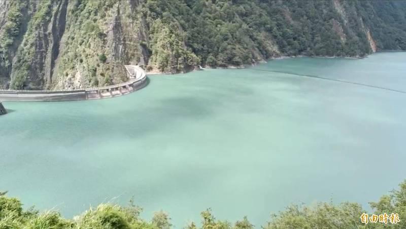 山區下雨,德基水庫再進帳126萬噸。(記者歐素美攝)
