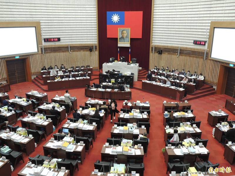 高雄第三勢力全力衝刺下屆議員選舉。(記者王榮祥攝)