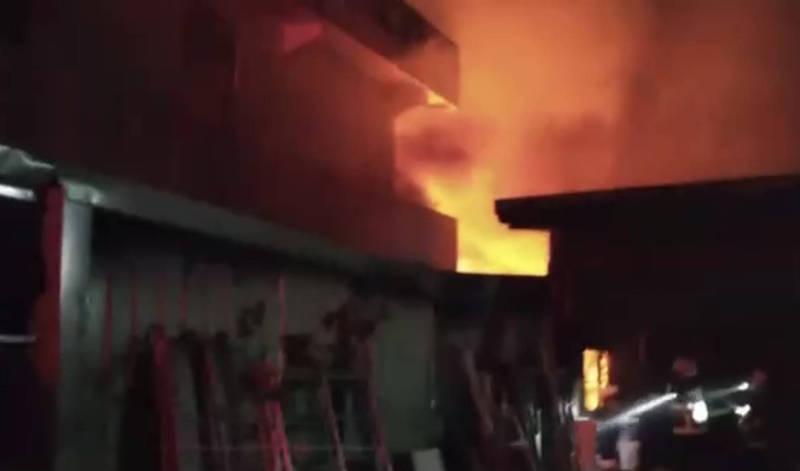 宜蘭縣員山鄉今天晚上6點54分左右發生火警。(記者蔡昀容翻攝)