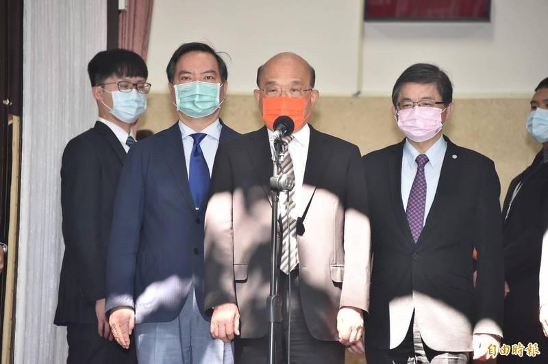 行政院長蘇貞昌今表示,中國用不符合國際貿易規範及習慣的運作方式,先前禁了鳳梨,現在又禁釋迦、蓮霧,非常不妥當,政府已經循相關程序,如果還是沒有結果,會循相關國際管道,也會從各方面來為台灣「最好的農產品,找最好的出路」。(記者塗建榮攝)