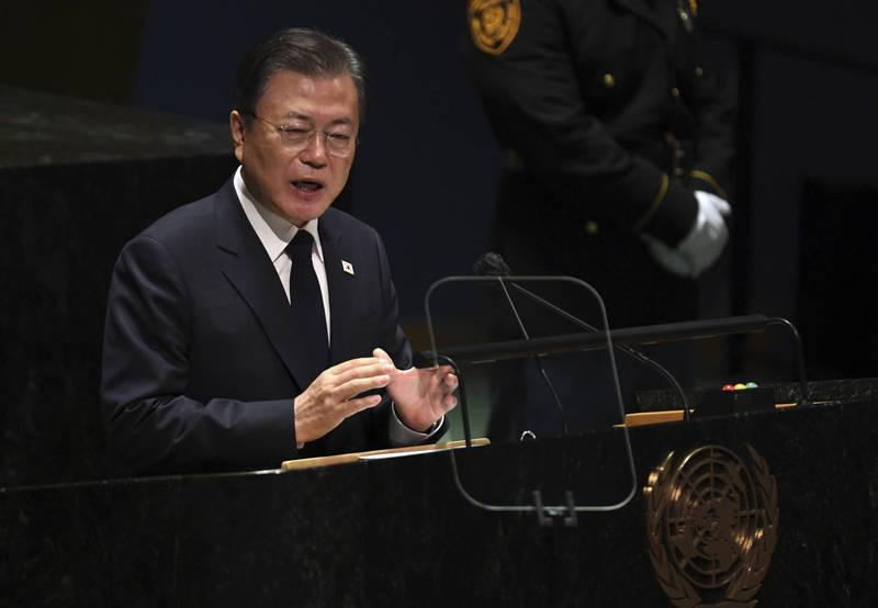 韓越領袖近日在美進行會談,南韓承諾下月向越南提供逾百萬劑武肺疫苗。圖為南韓總統文在寅。(美聯社資料照)