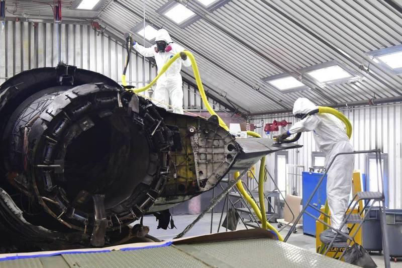 1架美國空軍F-35A戰機於去年5月19日墜毀,由於嚴重受損,無法修復成為廢鐵,不過美軍決定將這架近乎報廢的戰機部分機體回收再利用,未來將作為維修訓練教材使用。(翻攝自DVIDS)