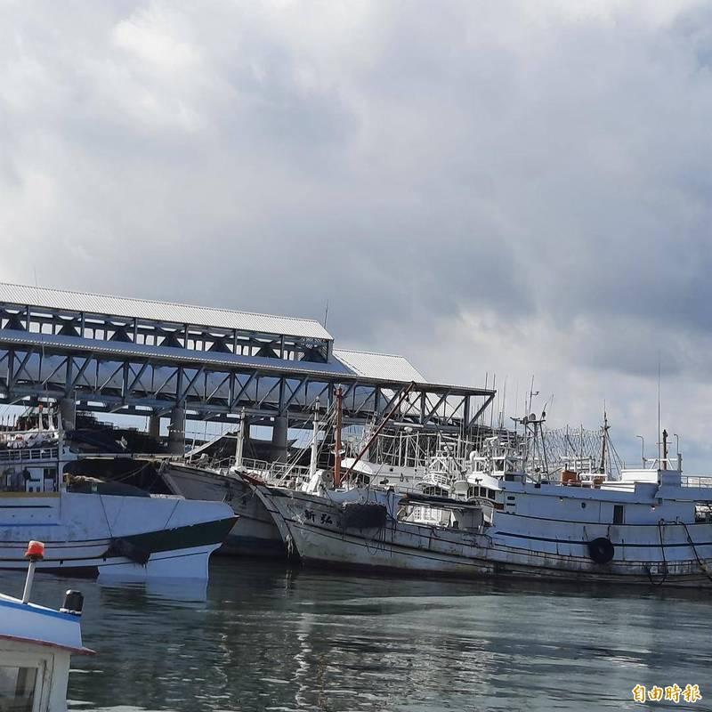 航港局針對漁民怒吼取締漁船違建,做出輔導改正善意回應。(記者劉禹慶攝)