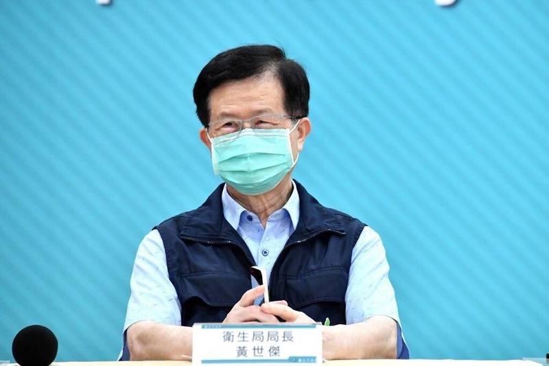 台北市衛生局長黃世傑赴議會工作報告,議員輪番詢問自購疫苗的採購進度,黃坦言會有變數。(台北市政府提供)