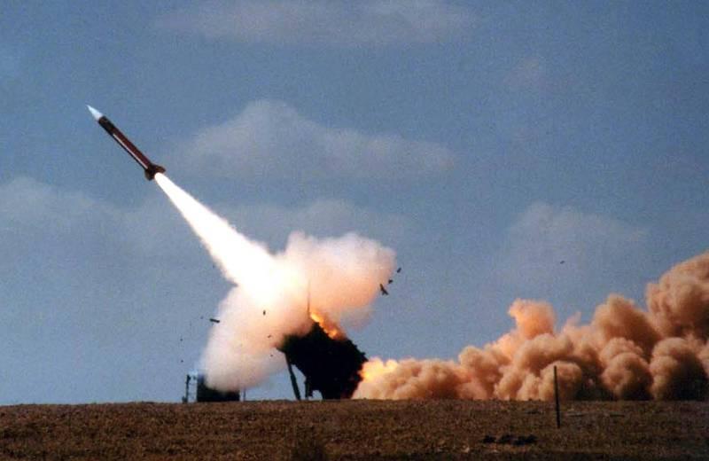 美國陸軍9月1日在夏威夷復仇者防空飛彈系統發射2枚愛國者飛彈,成功擊毀目標,這是美國軍方首次在夏威夷發射愛國者飛彈。(法新社檔案照)