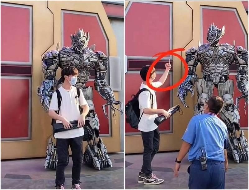 中國一名遊客對北京環球影城內的密卡登比中指,遭密卡登回嗆。(圖翻攝自微博)
