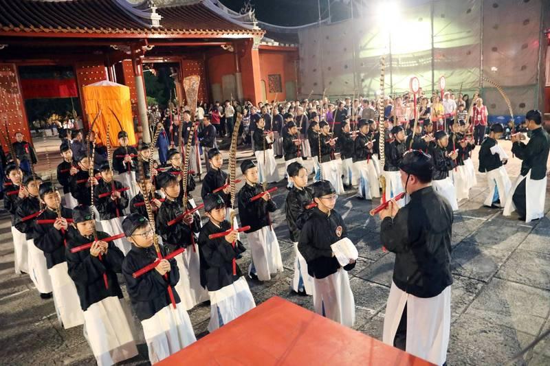 臺南孔廟祭孔大典,將於9月28日清晨照常舉行,除部分禮、樂生外,參加人員必須全程配戴口罩。(圖由南市府提供)