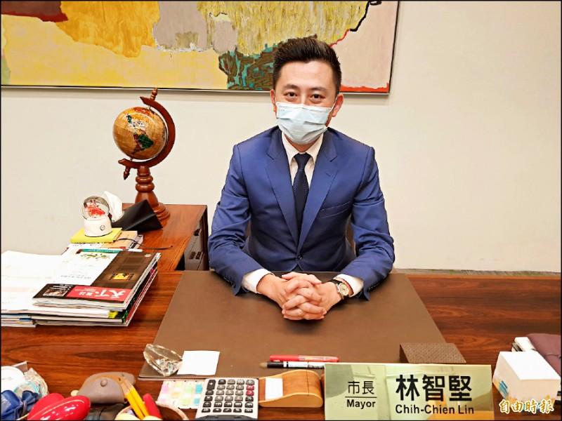 新竹市長林智堅昨日指出,目前主流民意就是要新竹升格為第七都,相關民調也反映出近六成民意支持。 (記者洪美秀攝)