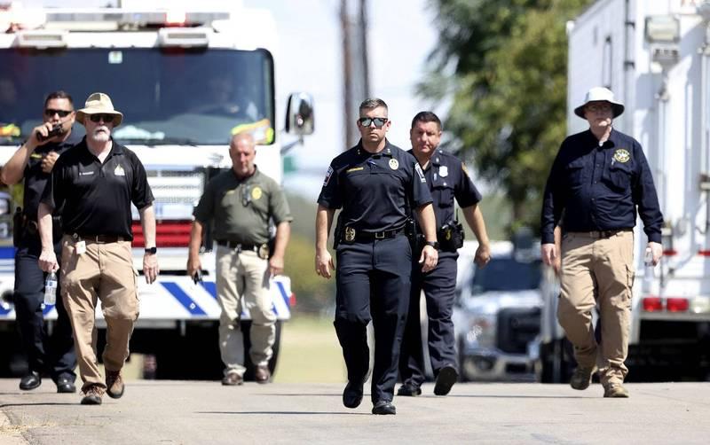 美國德州沃斯堡一處垃圾箱起火,消防員到場後赫然發現垃圾箱內裝有3人屍塊。德州警察示意圖。(美聯社)