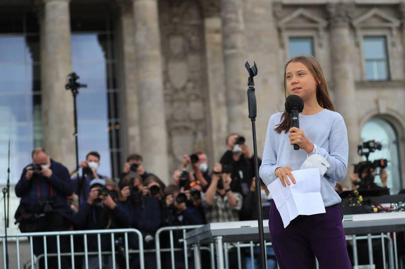 青少年團體在德國大選前舉辦大規模氣候示威活動。圖為環保少女童貝里。(彭博)