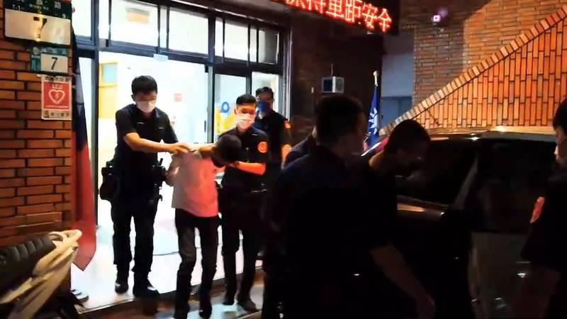 高男等人遭警方移送法辦。(記者徐聖倫翻攝)