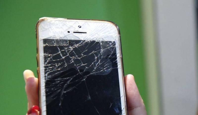 阿根廷有1名女子用手機失手將男友砸中太陽穴不治。(歐新社)