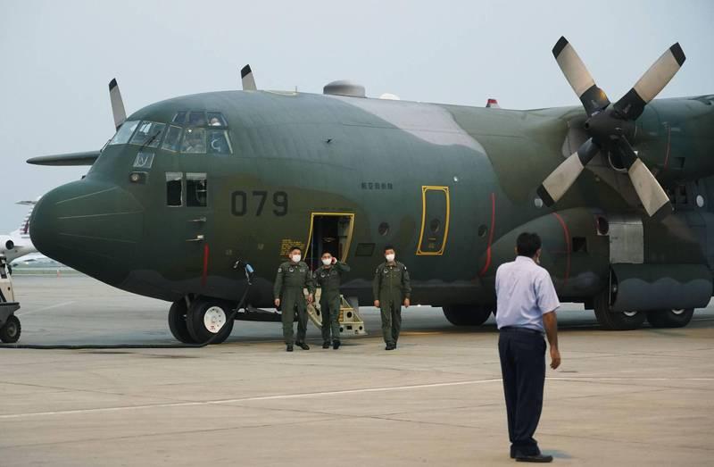 巴基斯坦政府內部人士今透露,決定幫助日本撤離在阿富汗人員。圖為日本自衛隊飛機欲前往喀布爾撤離人員。(美聯社)