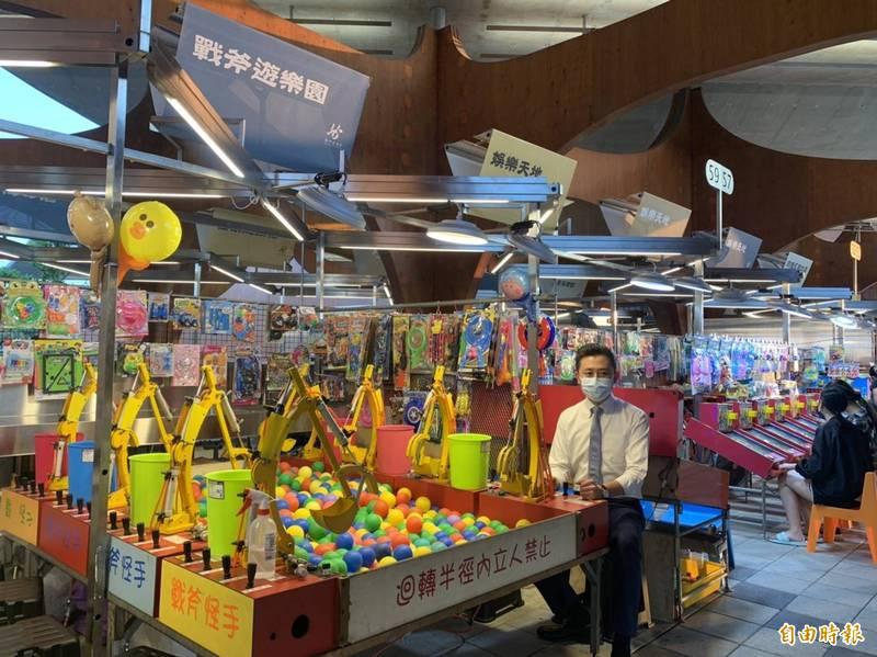 新竹市府搶攻五倍券商機推出新竹買爆券、9/30起線上登記、限量3萬份、200元變400元。(記者洪美秀攝)