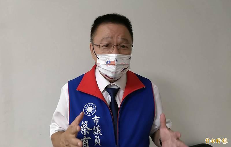 南市議員蔡育輝呼籲國民黨新主席朱立倫趕快拋棄九二共識,以台灣為優先,選舉才會獲認同。(記者蔡文居攝)