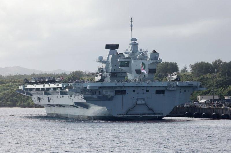 「伊莉莎白女王號」航空母艦打擊群今日從關島出航,進入印太地區下一階段部署。(圖擷取自CSG21官方推特)