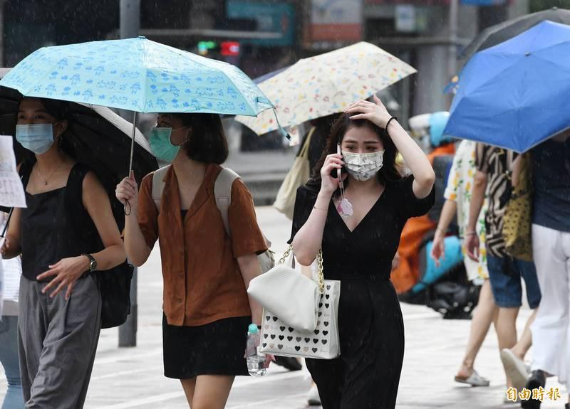 氣象局表示,今天水氣又會比昨天更多,各地雲量也會增加(資料照)